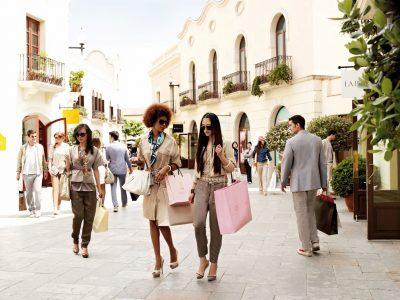La Roca shopping village